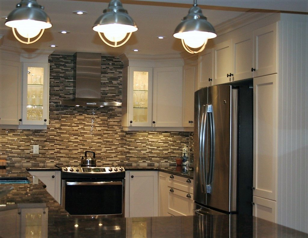 stunning kitchen with back splash