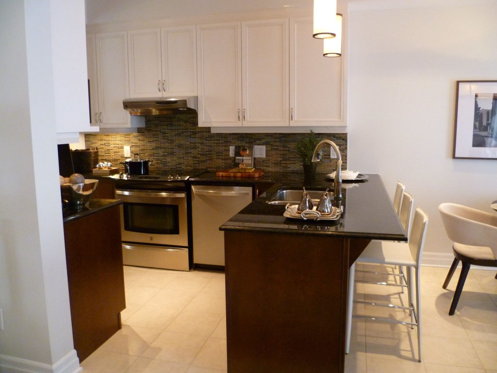 kitchen with back splash