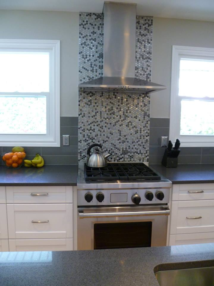 kitchen with accent tiles